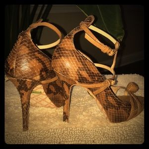 Gorgeous Brown leather LAMB sandals